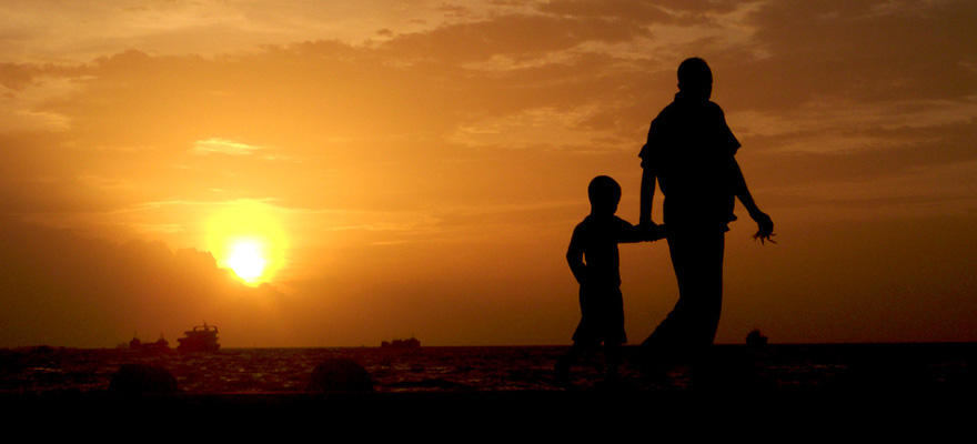 http://scottattebery.com/wp-content/uploads/2013/06/father-son-silhouette.jpg